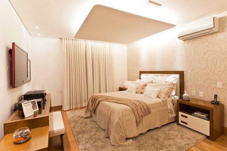Decoração clarinha e leve em quartos de casal cria clima