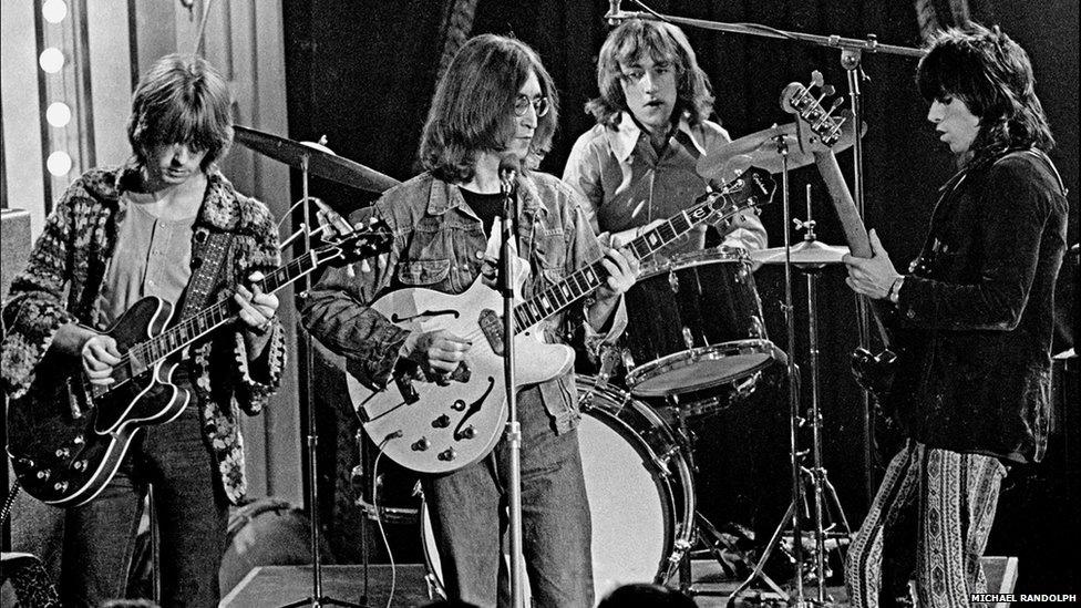 Randolph esteve lado a lado com astros do rock em ascensão na época, incluindo os Beatles, Led Zeppelin e The Doors. Ele se tornou o fotógrafo do show The Rolling Stones Rock and Roll Circus e registrou cenas do Dirty Mac (foto), o supergrupo formado por Eric Clapton, John Lennon, Mitch Mitchell (baterista do The Jimi Hendrix Experience) e Keith Richards