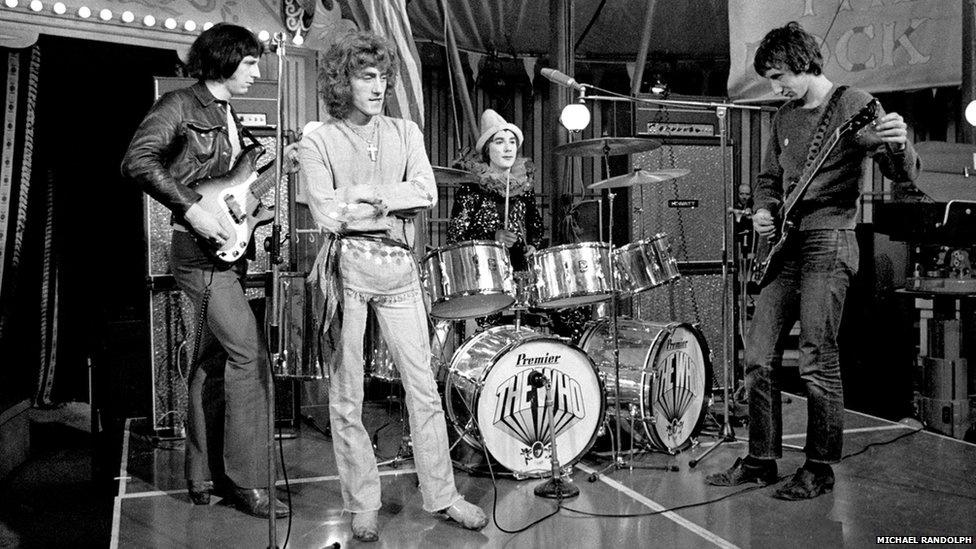 Randolph também se lembra de quando o baterista do The Who, Keith Moon, caiu no rio Tâmisa depois de uma festa em Windsor.