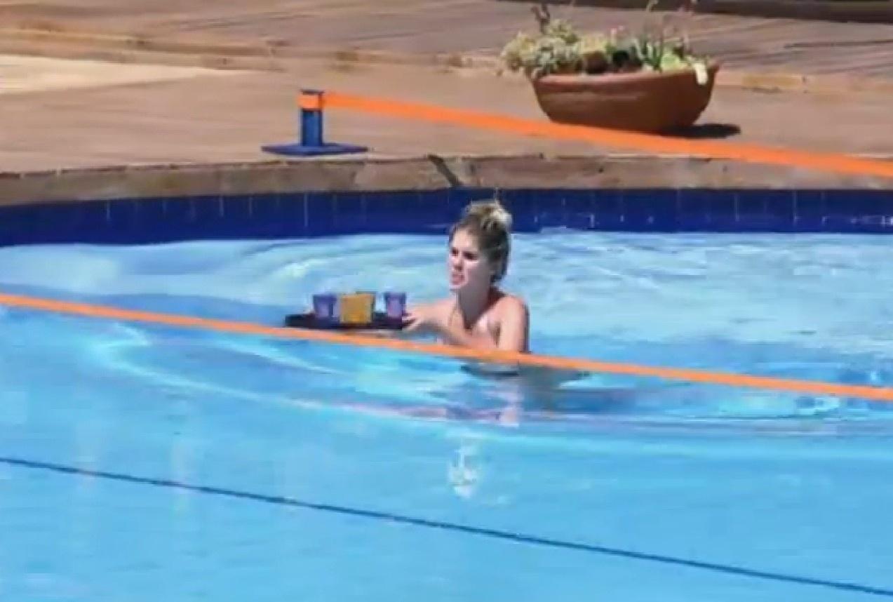 13.set.2013 - Bárbara Evans foi a primeira a realizar a atividade