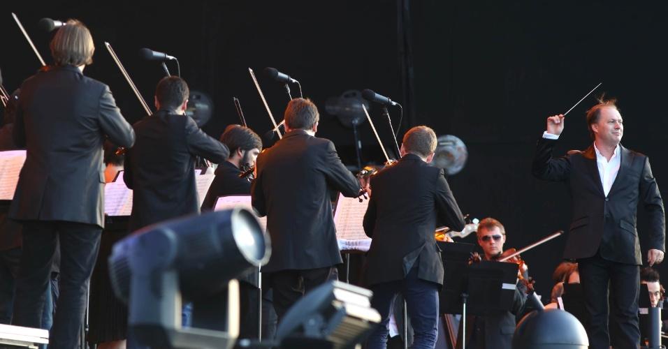 13.set.2013 - Primeira atração do Palco Mundo do Rock in Rio, a Orquestra Sinfônica Brasileira apresentou um pot-pourri de grandes sucessos do rock, como Deep Purple, Queen, Kid Abelha, U2 e Beatles