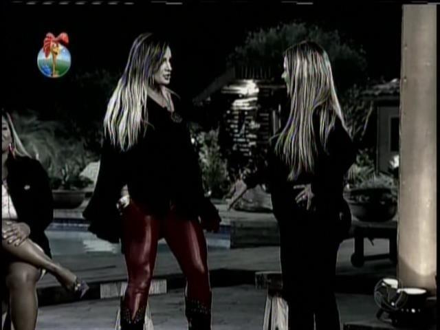 13.set.2013 - Andressa e Denise protagonizaram novo embate durante atividade de máscaras