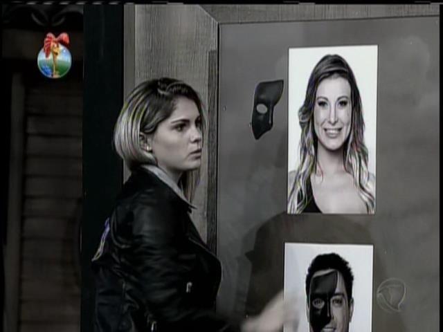 13.set.2013 - Bárbara não polemizou durante atividade de máscaras