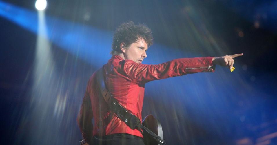14.set.2013 - A banda Muse se apresenta no último show do palco Mundo no segundo dia do Rock in Rio 2013