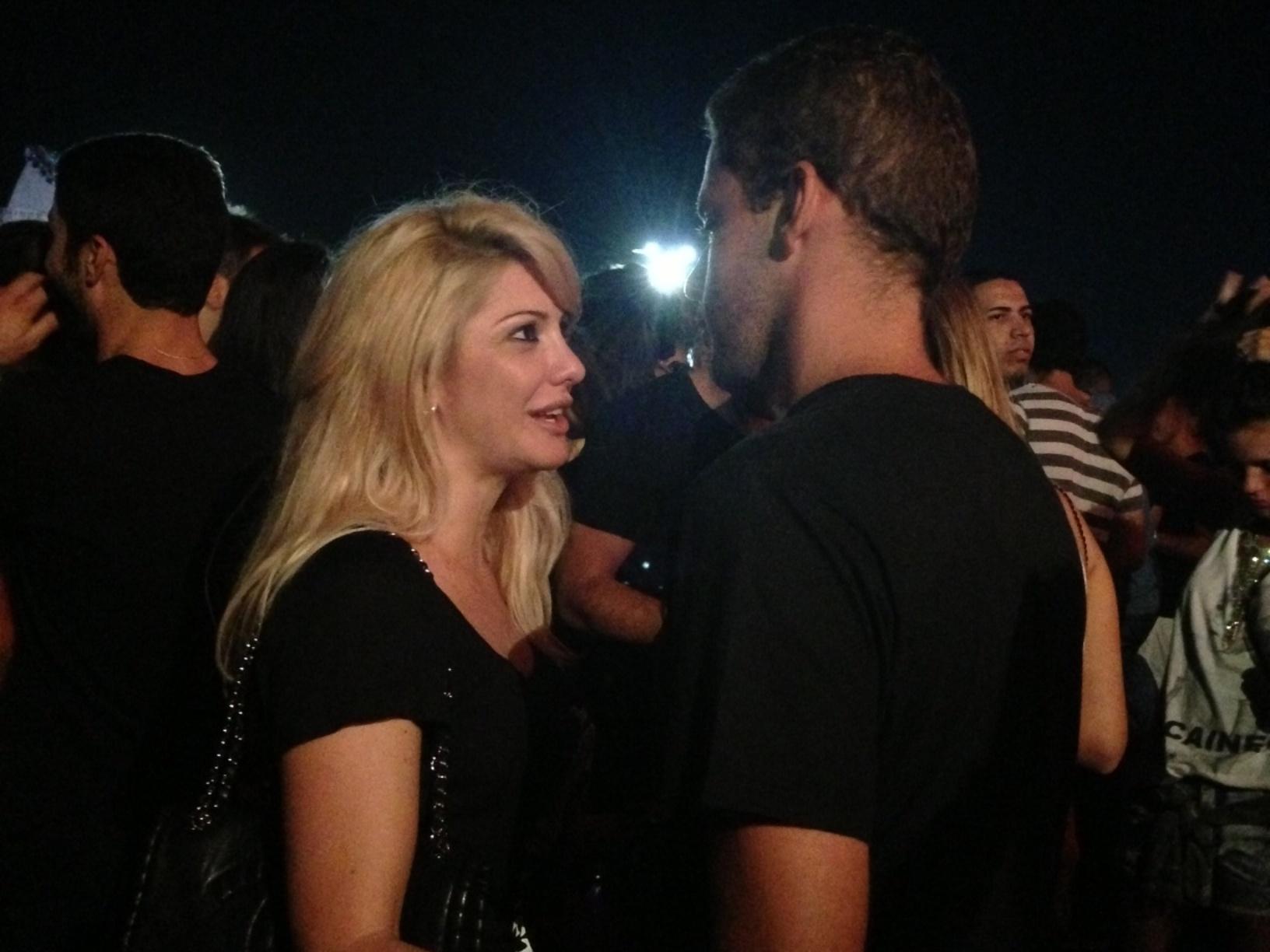 15.set.2013 - Viúva de Marcos Paulo, a atriz Antonia Fontenelle ficou com Bruno Martins em camarote vip