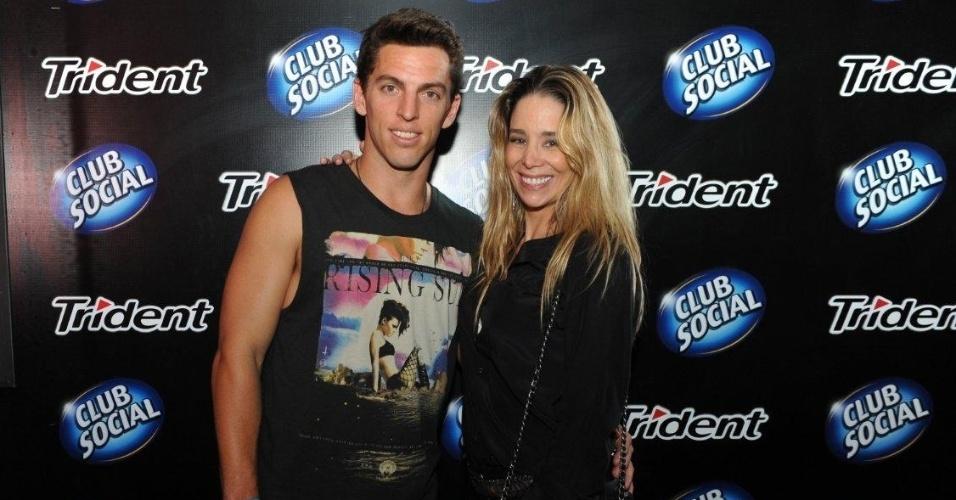 25.set.2013 - Dani Winits vai ao Rock In Rio com o namorado, o jogador Amaury Nunes, para assistir ao show de Justin Timberlake