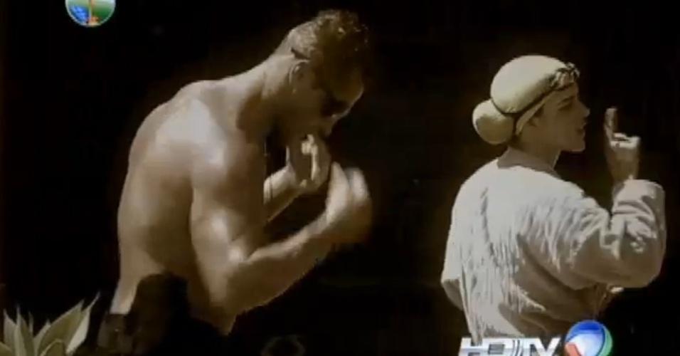 16.set.2013 - Denise e Marcão tem nova briga na piscina e trocam xingamentos