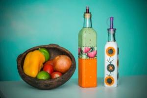 Pintura de garrafas é fácil, barata e deixa a cozinha mais charmosa; faça! - Leonardo Soares de Souza/ UOL