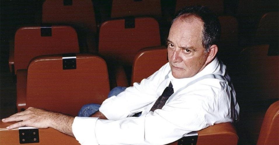 """2000 - Cláudio Marzo quando protagonizou """"Momentos-Beijos"""", peça escrita por Nelson Rodrigues, no Rio de Janeiro"""