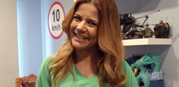 Nívea Stelmann vai pintar de rosa o quarto de brinquedos do filho Miguel para receber Bruna