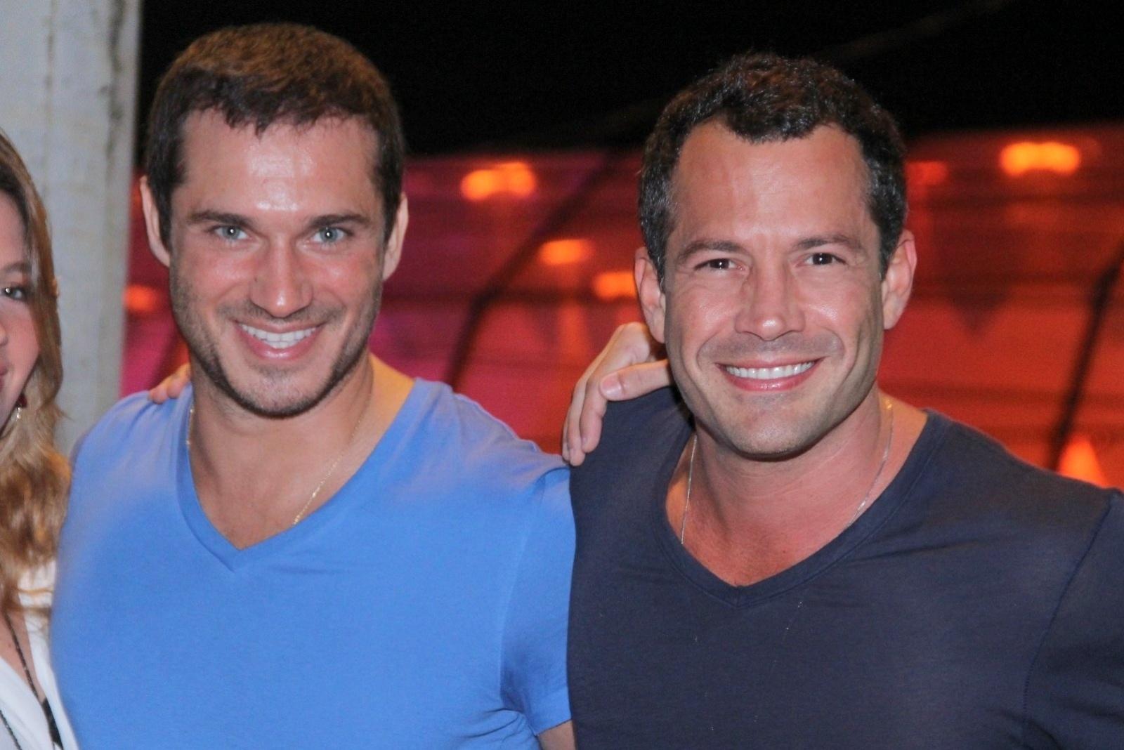 20.set.2013 - Os atores Paulo Rocha e Malvino Salvador vão juntos ao quinto dia de shows do Rock in Rio