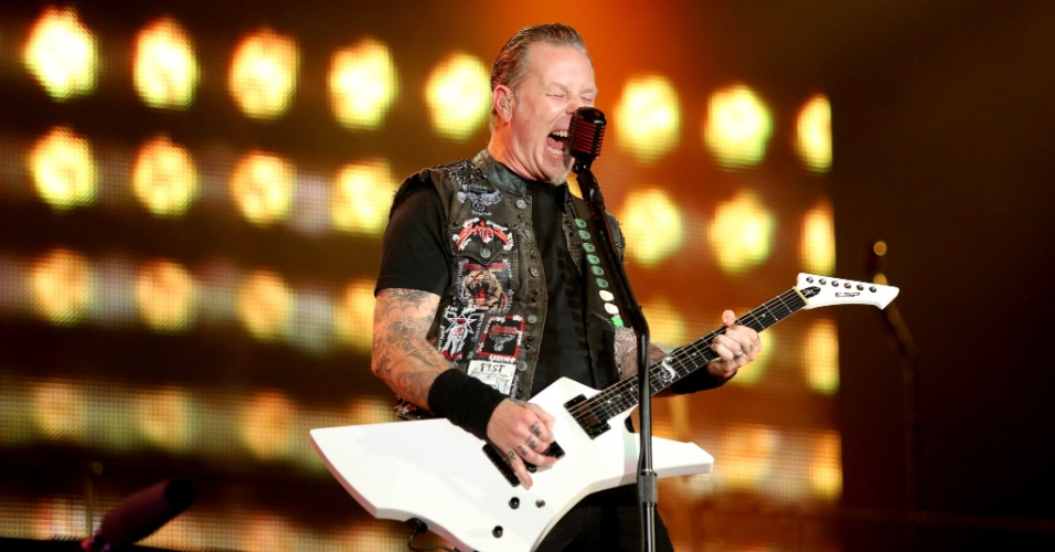 19.set.2013 -James Hetfield, guitarrista do Metallica, durante show da banda no palco Mundo do Rock in Rio