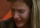 """Denise chora e briga com peões: """"Não tenho medo de vocês!"""" - Reprodução/ Record"""