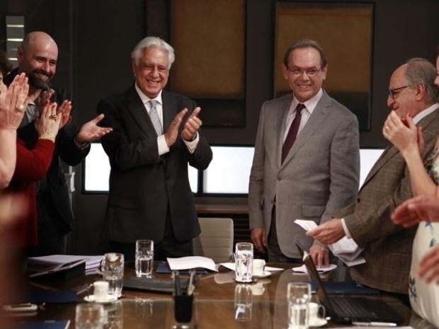 """21.set.2013 - José Wilker grava """"Amor à Vida"""" e é aplaudido por colegas"""