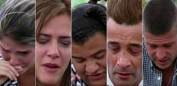 22.set.2013 - Peões choram ao receber mensagens da família