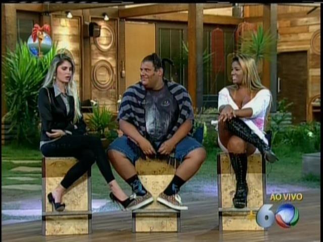 21.set.2013 - Bárbara, Gominho e Filé aguardam para saber resultado da roça