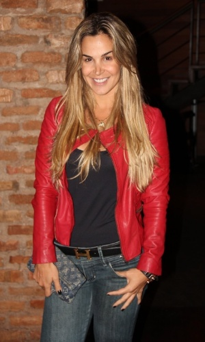 24.set.2013 - Robertha Portella prestigia reunião do elenco de Dona Xepa