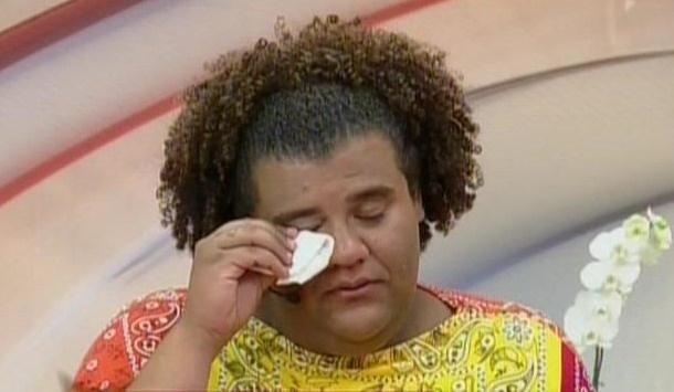 26.set.2013 - Gominho chora ao falar com Ivete Sangalo durante