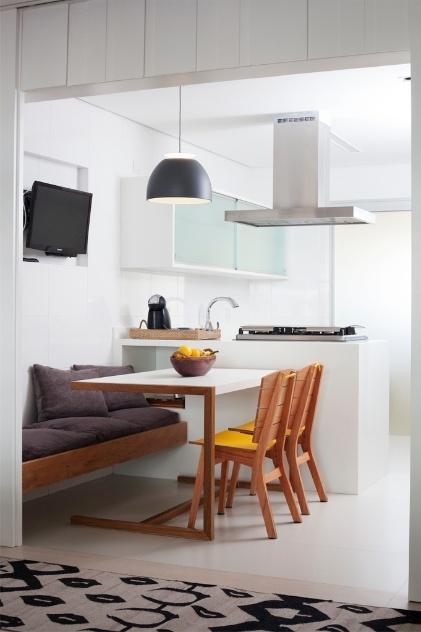 decoracao cozinha e copa : decoracao cozinha e copa: reforma, apê ganha móveis sob medida e painel com portas de correr