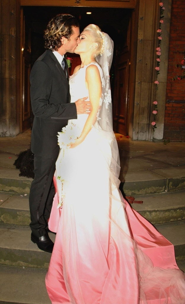27.set.2013- Casamento de Gwen Stefani, vocalista do No Doubt, e Gavin Rossdale, vocallista do Bush, em Londres, em 2002