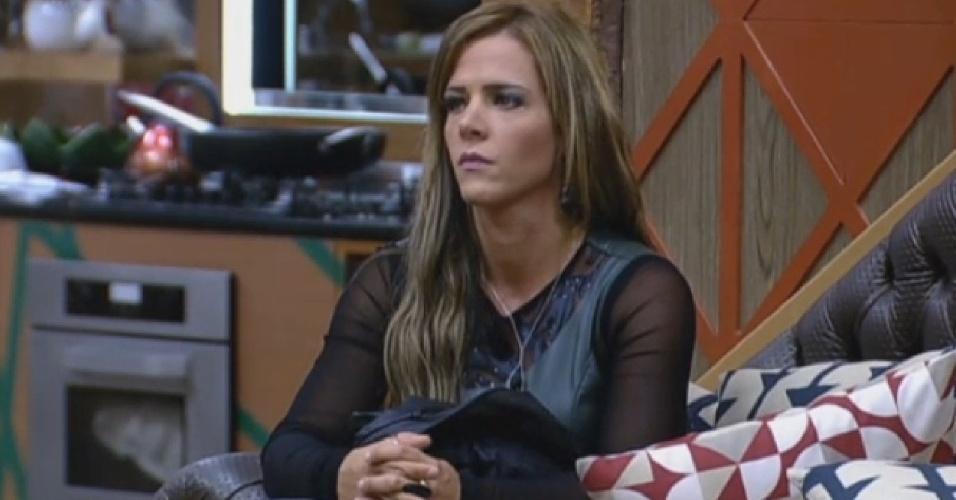29.set.2013 - Denise Rocha ansiosa para a grande final do programa
