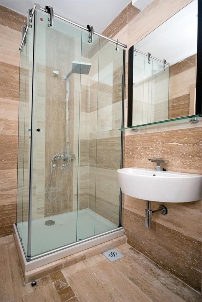 Banheiros pequenos dicas de decoração para quem tem pouco espaço  BOL Fotos -> Metragem Minima Para Banheiro Com Banheira