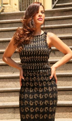 1.out.2013 - A ex-BBB Gyselle Soares fez ensaio fotográfio em um shopping do Rio. A modelo e atriz participou da 8ª edição do reality. Ela chegou a morar na França onde atuou em alguns filmes