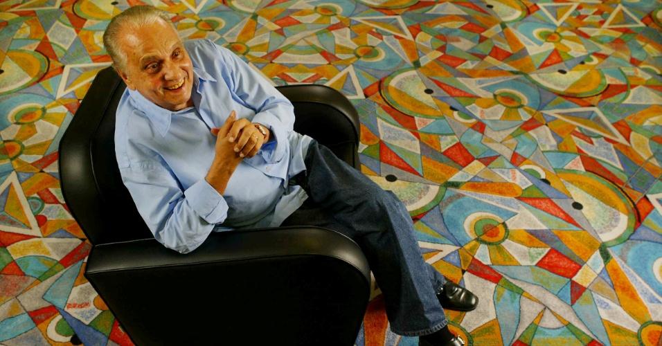 4.mar.2004 - O ator Jorge Dória em hotel em São Paulo