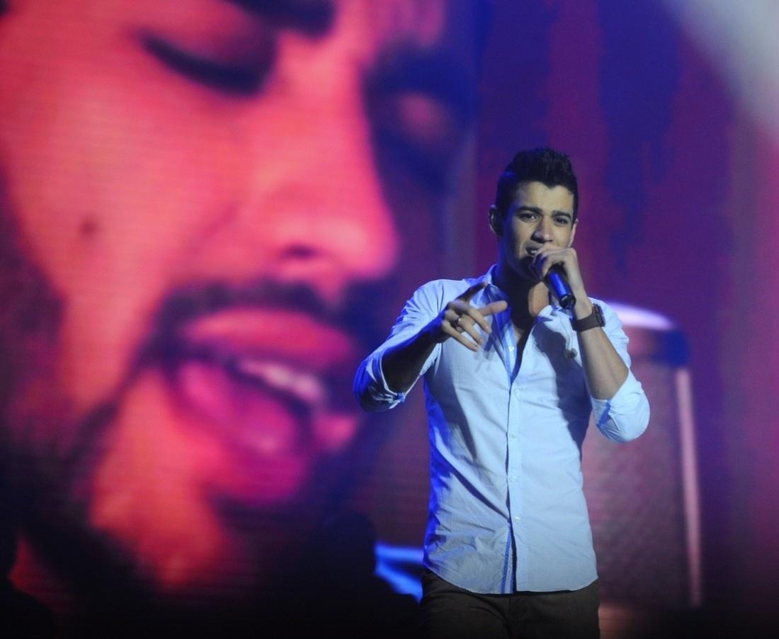 05.out.2013 - O cantor Gusttavo Lima canta no Villa Mix Festival 2013, no Campo de Marte, em São Paulo