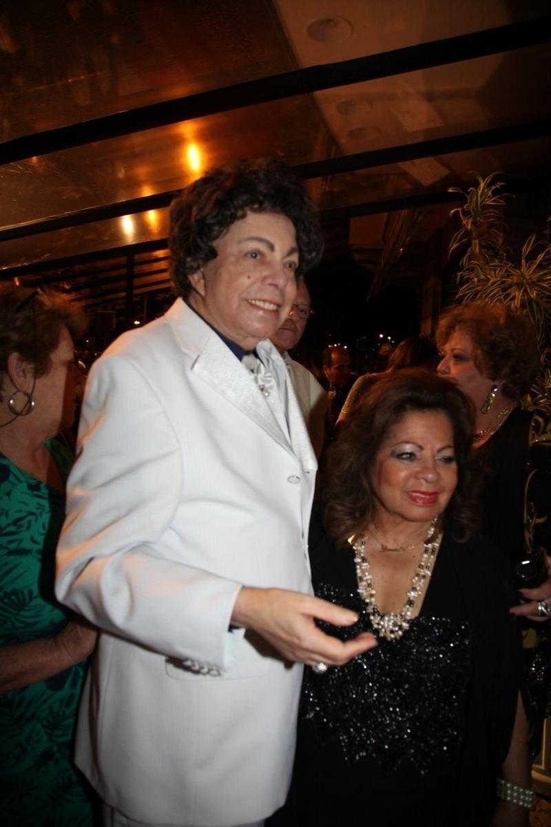 06.out.2013 - Cauby Peixoto e Ângela Maria durante a exibição do documentário sobre a vida do cantor no Festival do Rio