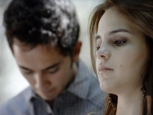 """Em """"Malhação"""", Ben conta a Anita que ex está grávida e a deixa preocupada"""