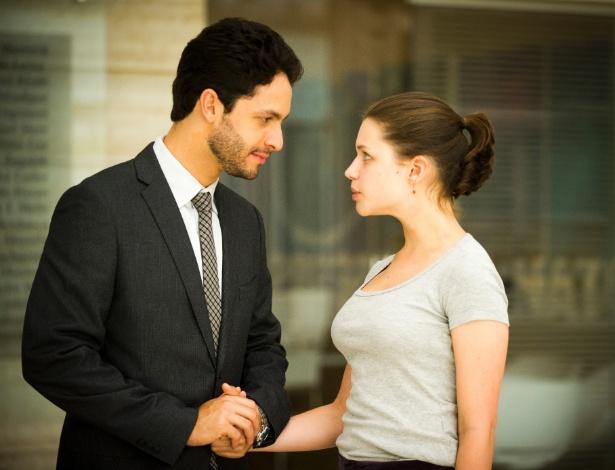 """Use o campo de comentários desta página para opinar sobre relacionamentos como o de Rafael e Linda, que dão sinais de estarem apaixonados em """"Amor à Vida"""""""