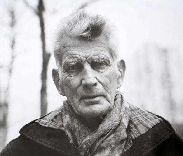 O escritor e dramaturgo irlandês Samuel Beckett em foto-documento exibida em comemoração de centenário de aniversário de seu nascimento (13 de Abril de 2006)