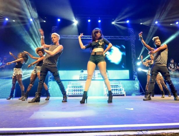 """12.out.2013 - Neste sábado (12), Dia das Crianças, Anitta apresentou o seu """"Show das Poderosinhas"""" para o público infantil no Rio"""