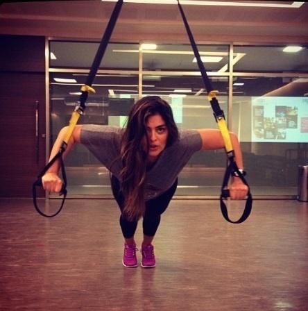 18.out.2013- Mãe de Antônio, de dois meses, Juliana Paes treina em academia.