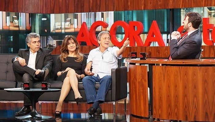 Os dubladores Garcia Júnior, Cecília Lemes e Nelson Machado com o apresentador Danilo Gentili no