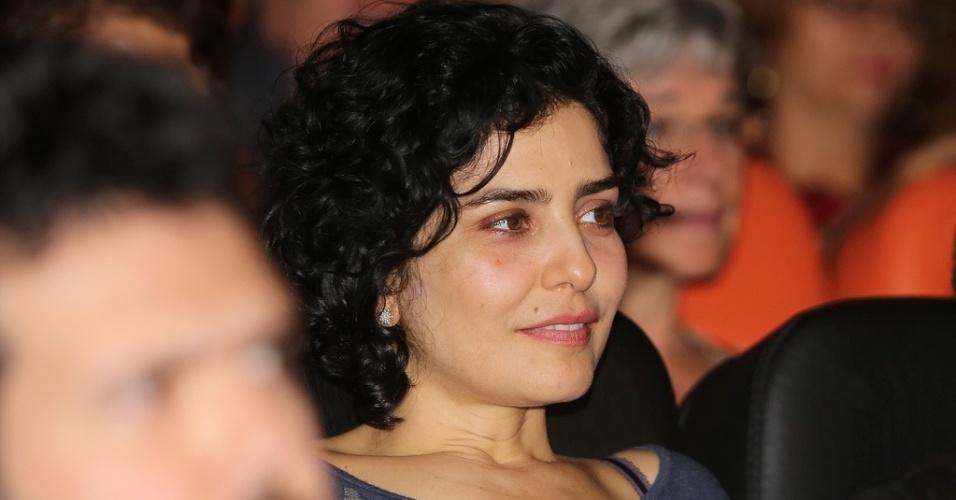 21.out.2013 - A atriz Letícia Sabatella assiste à exibição de