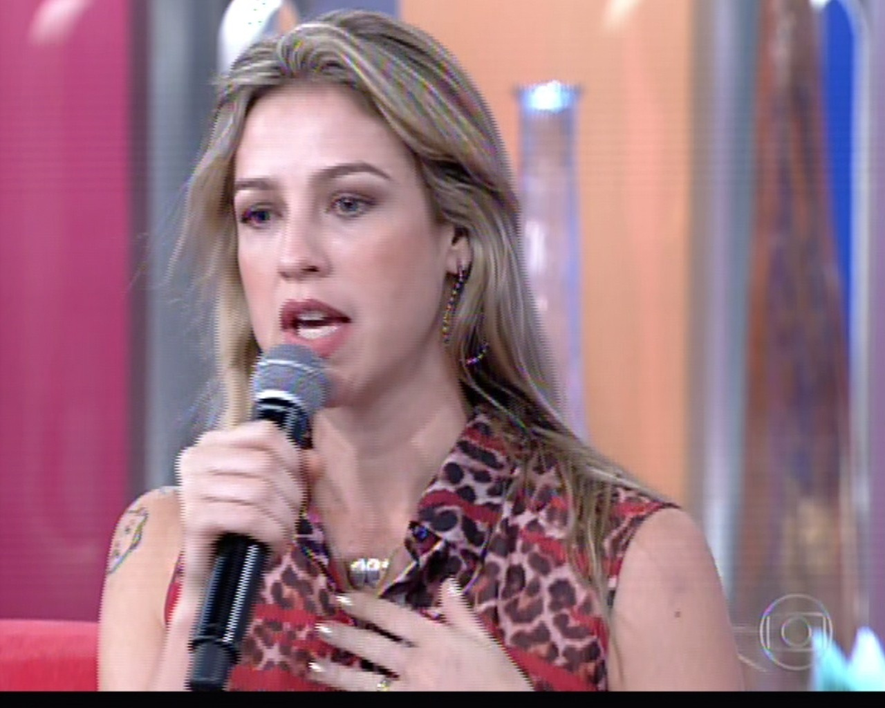 24.out.2013 - Luana Piovani diz no