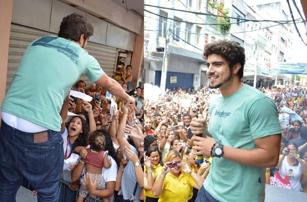 24.out.2013- Com calça larga, Caio Castro deixa cueca à mostra enquando atende fãs em Recife, onde participou de um desfile. O galã se abaixou e, como não estava com cinto, a calça caiu e exibiu boa parte da peça íntima