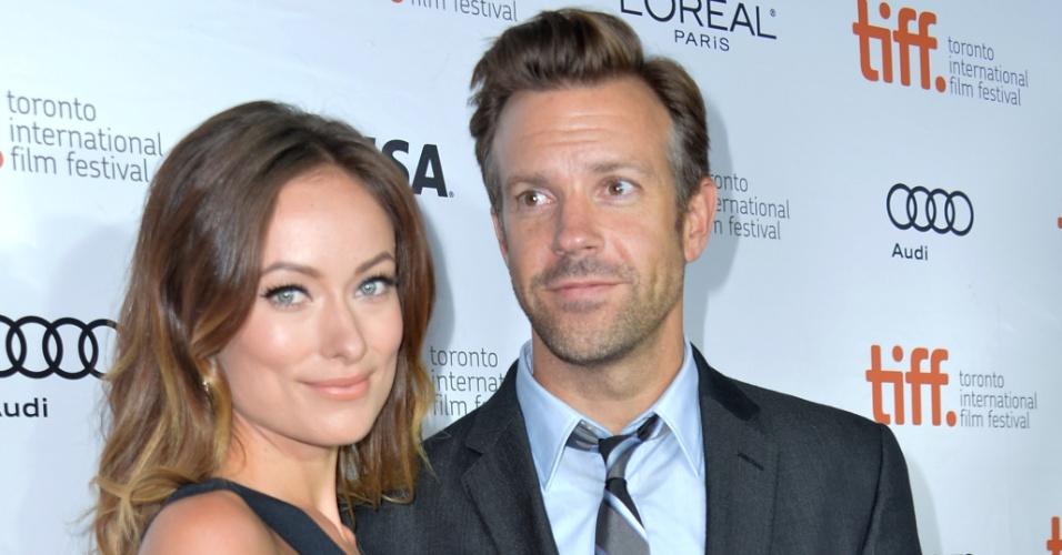 """8.set.2013 - Olivia Wilde e Jason Sudeikis na première de """"Rush"""" no Festival de Cinema de Toronto"""