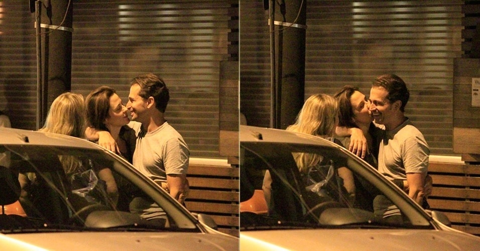 28.out.2013 - Guilhermina Guinle beija o marido após sair para jantar com amiga no Leblon, Rio de Janeiro