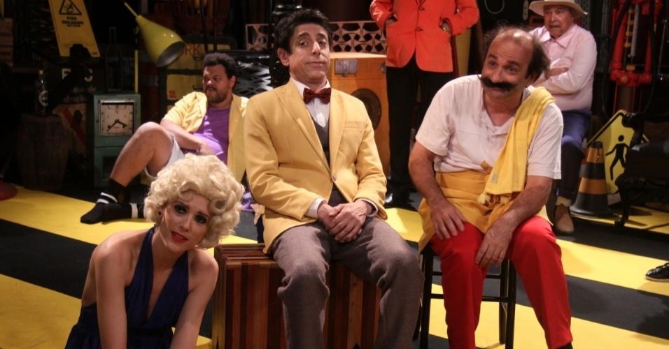 29.out.2013 - Os atores Cássio Scapin e Roberto Guilherme fazem parte do elenco do especial de fim de ano ?Pa Pe Pi Po Pu?, da Record.