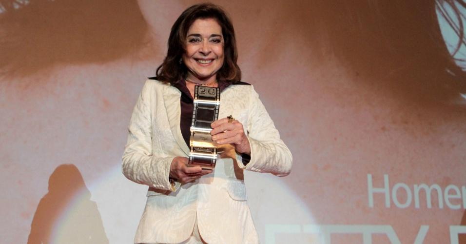 31.out.2013 - Betty Faria é homenageada pelo conjunto da obra na 20º edição do Festival de VItória