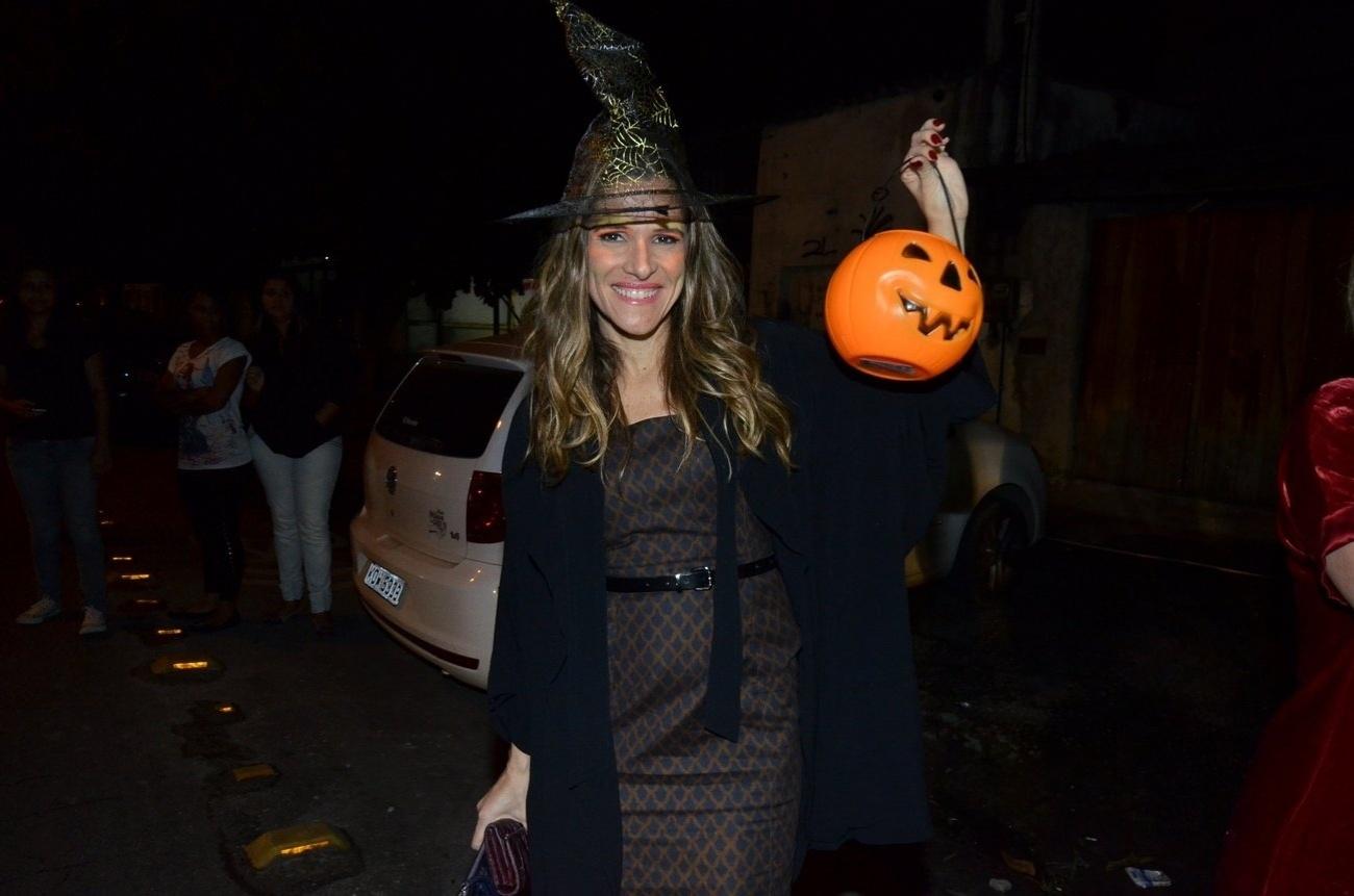31.out.2013 - Ingrid Guimarães na festa de Dia das Bruxas (Halloween) da novela
