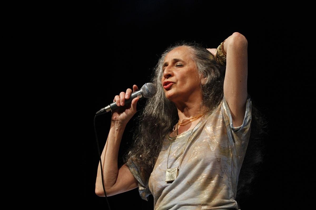 02.nov.2013 - Com duas apresentações na sexta (1) e domingo (3), Maria Bethânica encerra a turnê