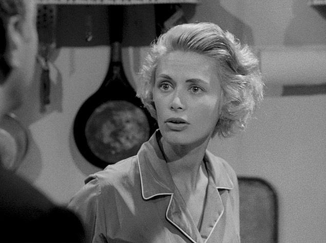 """Irene no papel de Gloria Price, em """"A Morte Passou Perto"""""""