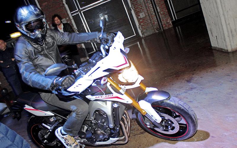 Selão de Milão: Ducati revela Monster 1200
