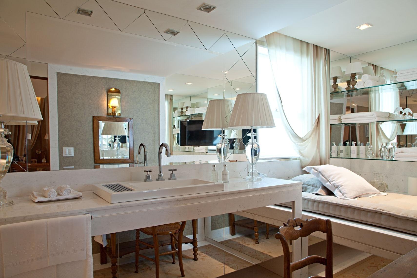 No banheiro da Suíte do Casal projetada por Lila May Bueno alguns  #362316 1710x1140 Banheiro Casal Suite