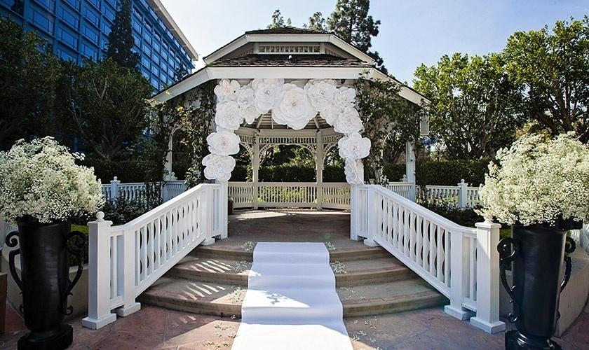 Imagem para matéria de UOL Casamento sobre casamento na Disney