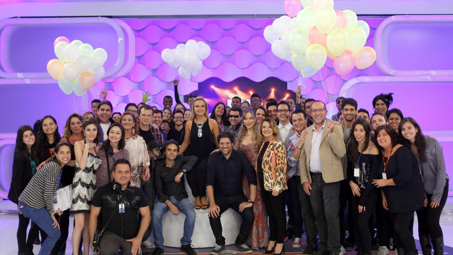 2013 - Aniversário de 40 anos de Eliana é comemorado nos estúdios do SBT